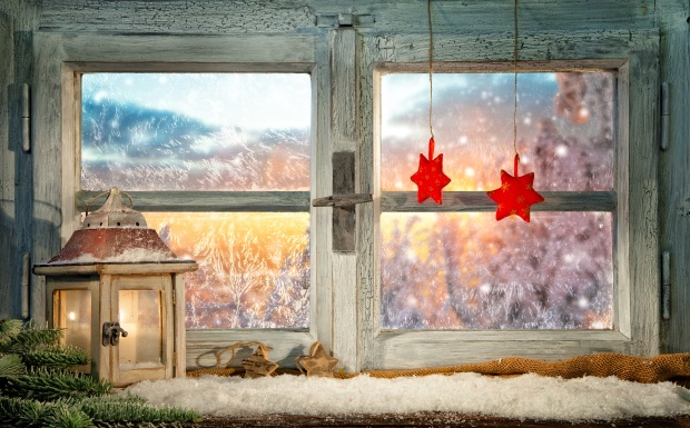 Atmospheric Christmas window sill decoration