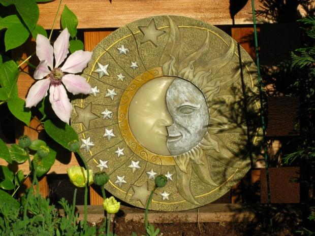 Union du Soleil et de la Lune sur champ d'toiles
